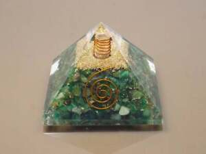 Metaphysical-LargeLG-70mm-GreenAventurine-Pyramid-Heart-Chakra-For-Luck-Sucess