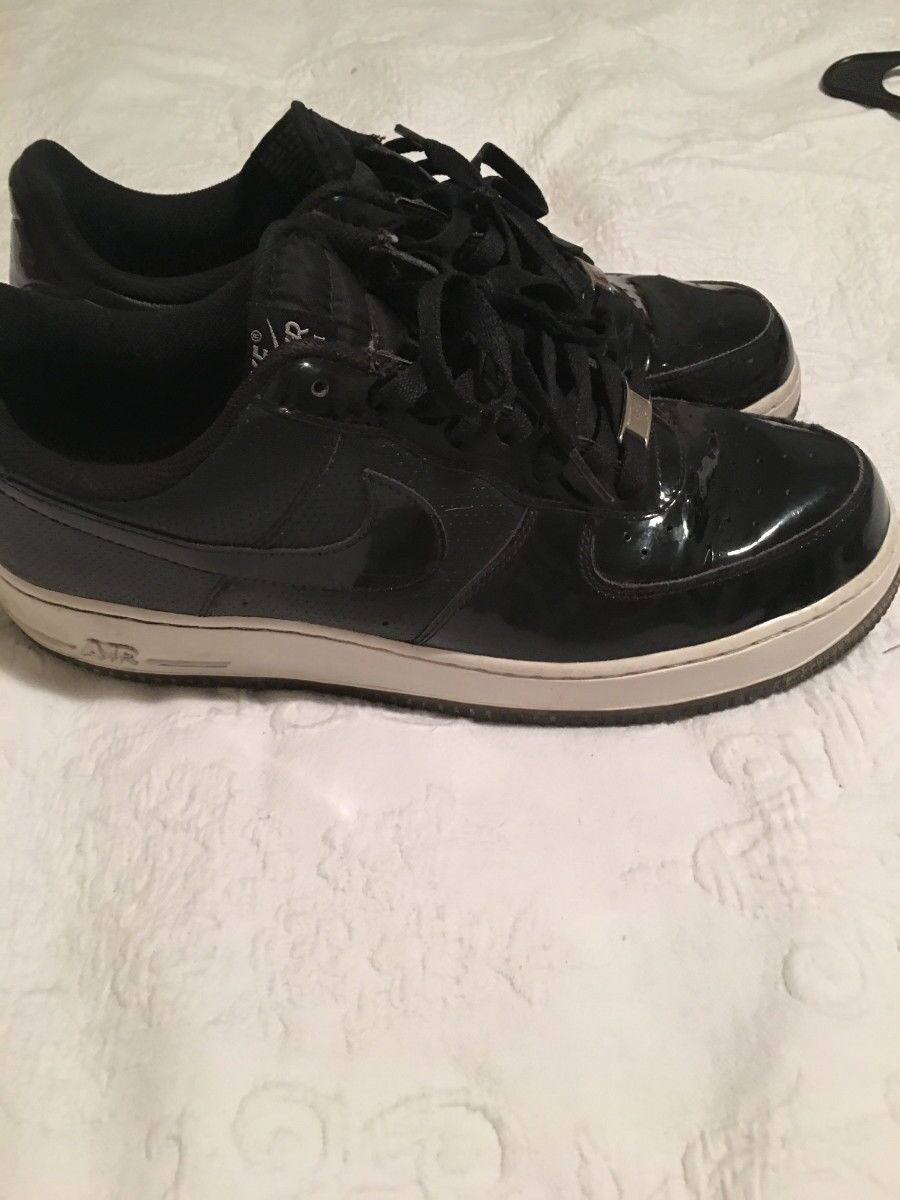 NIKE AIR FORCE 1  BLACK PATENT LEATHER  MENS SHOES SIZE 11.5  Price reduction -EUC Special limited time