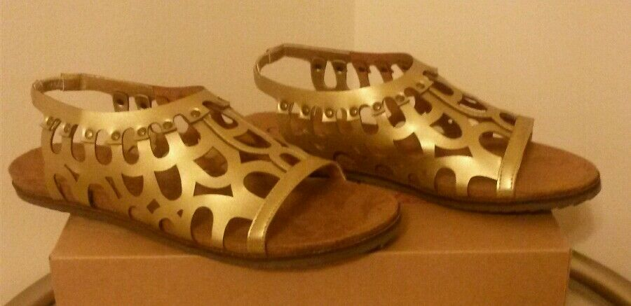 Brand New Matisse Swan Cut-out Stud Detailed Slingback Sandals  Taille 7 or