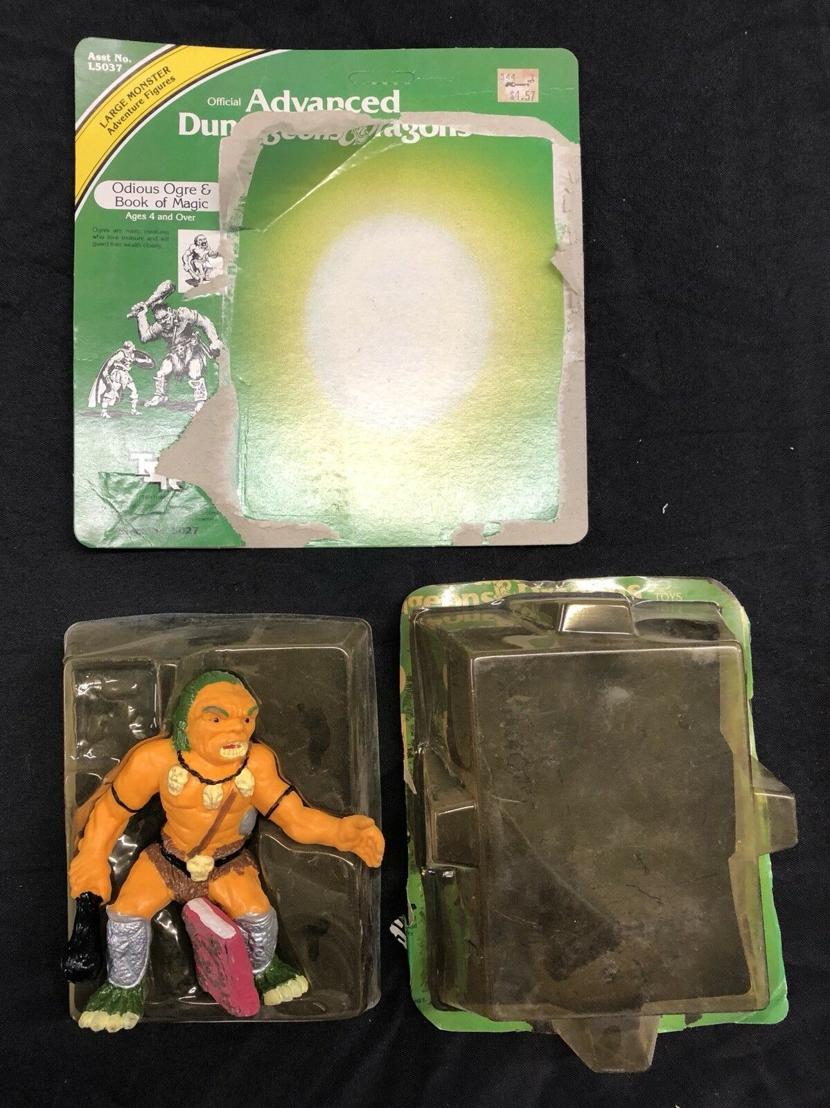 Advanced Dungeons and Dragons - Odious Ogre Figure w  Book of Magic 1982 SAAR13