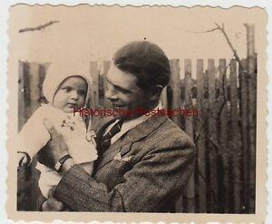 (f10444) Orig. Photo Homme Avec Enfant Harry Bischoff Sur Le Bras, Jena 1952-afficher Le Titre D'origine