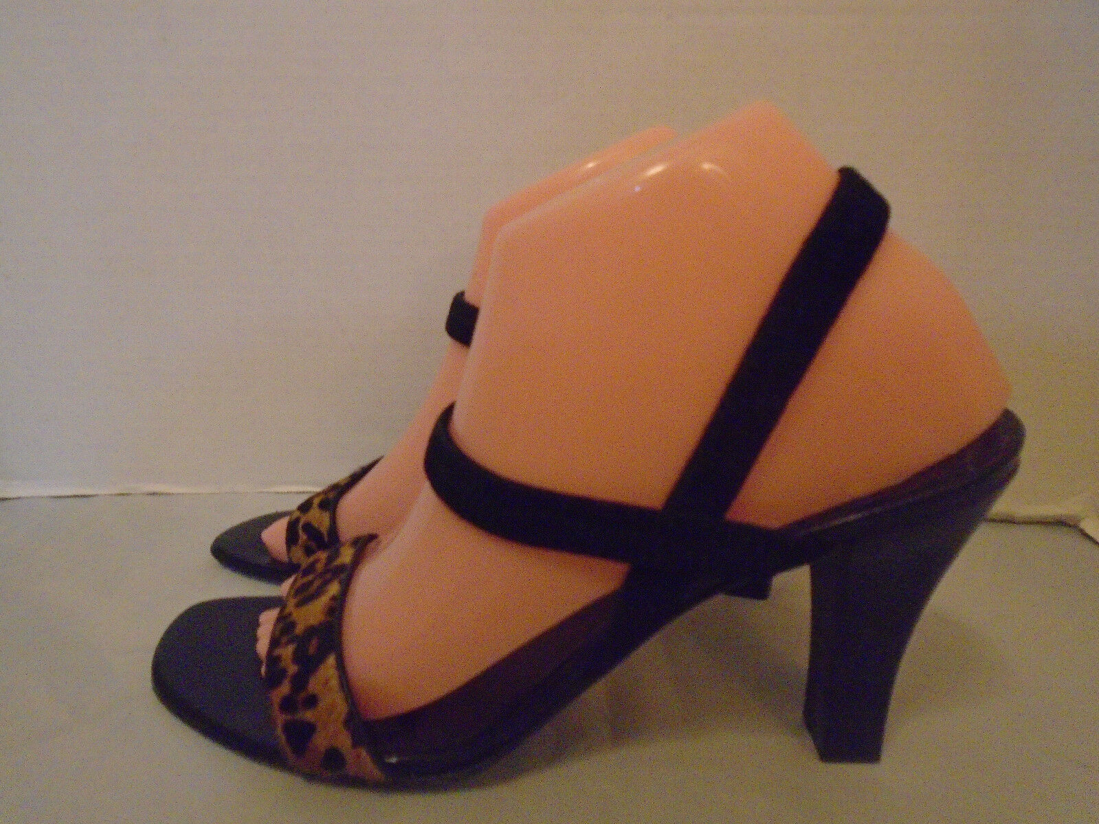 ARTURO CHIANG  BLACK ANIMAL PRINT SUED LEATHER WOMANS  STRAPPY HEELS SIZE 8.5M