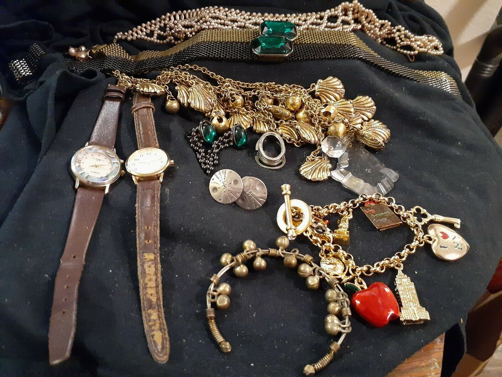 LOT OF VINTAGE COSTUME JEWELRY WATCHES CHARM BRAC… - image 1