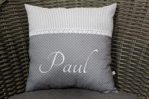 Kissen personalisiert mit Namen in edlem grau