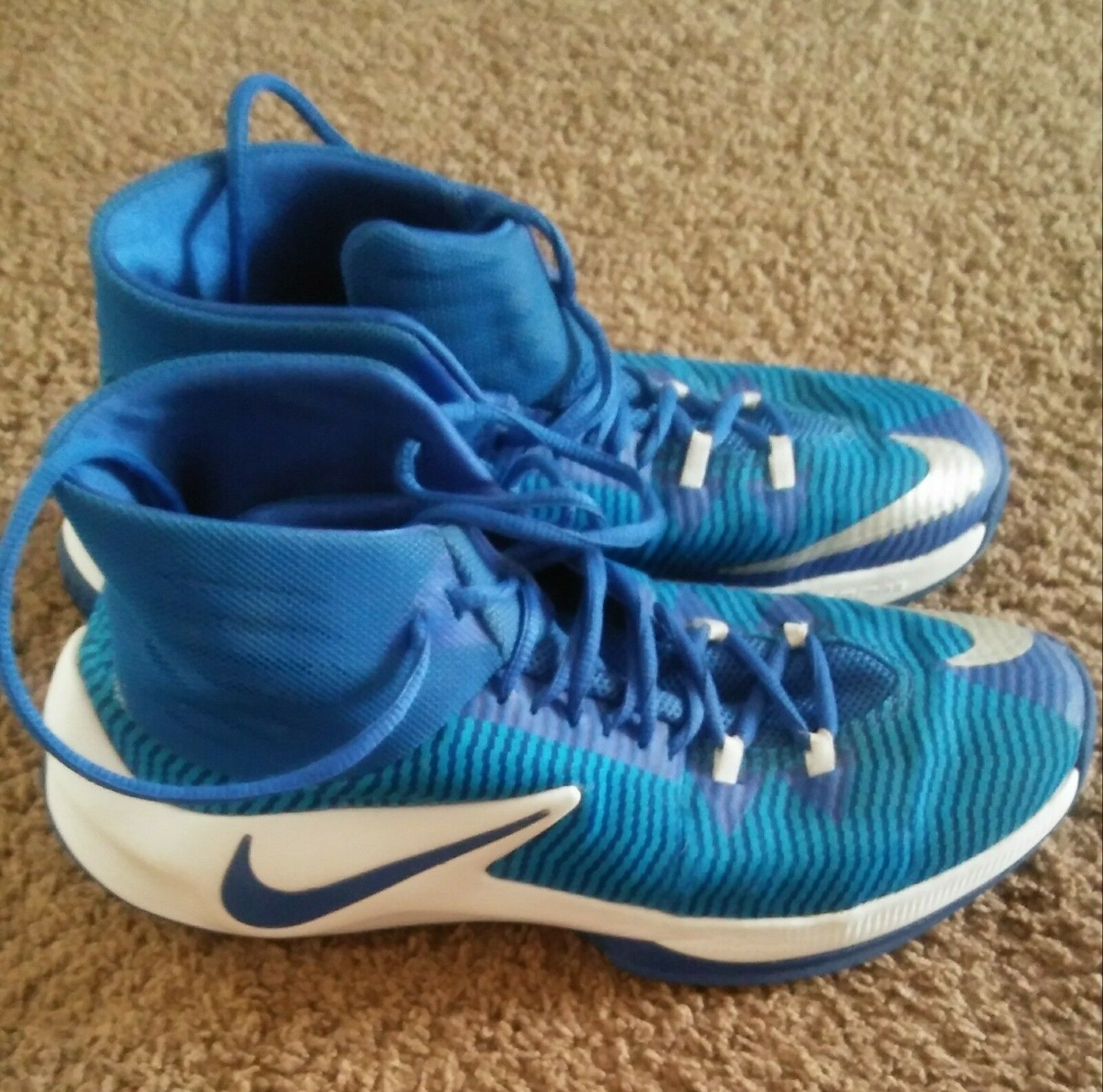 Nike Zoom Clear Out Mens Size 10.5 Basketball Shoe Royal Blue/White EUC ClearOut