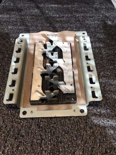CROUSE HINDS OR MURRAY BUSS BAR 125A MAX 10 OR 20 SPC USED GOOD CONDITION