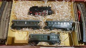 Marklin-echelle-ho-coffret-1-loco-040-2-voitures-1-fourgon-et-rails