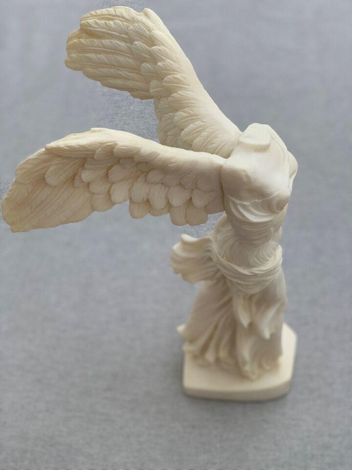 Skulptur, motiv: Nike fra Samothrake