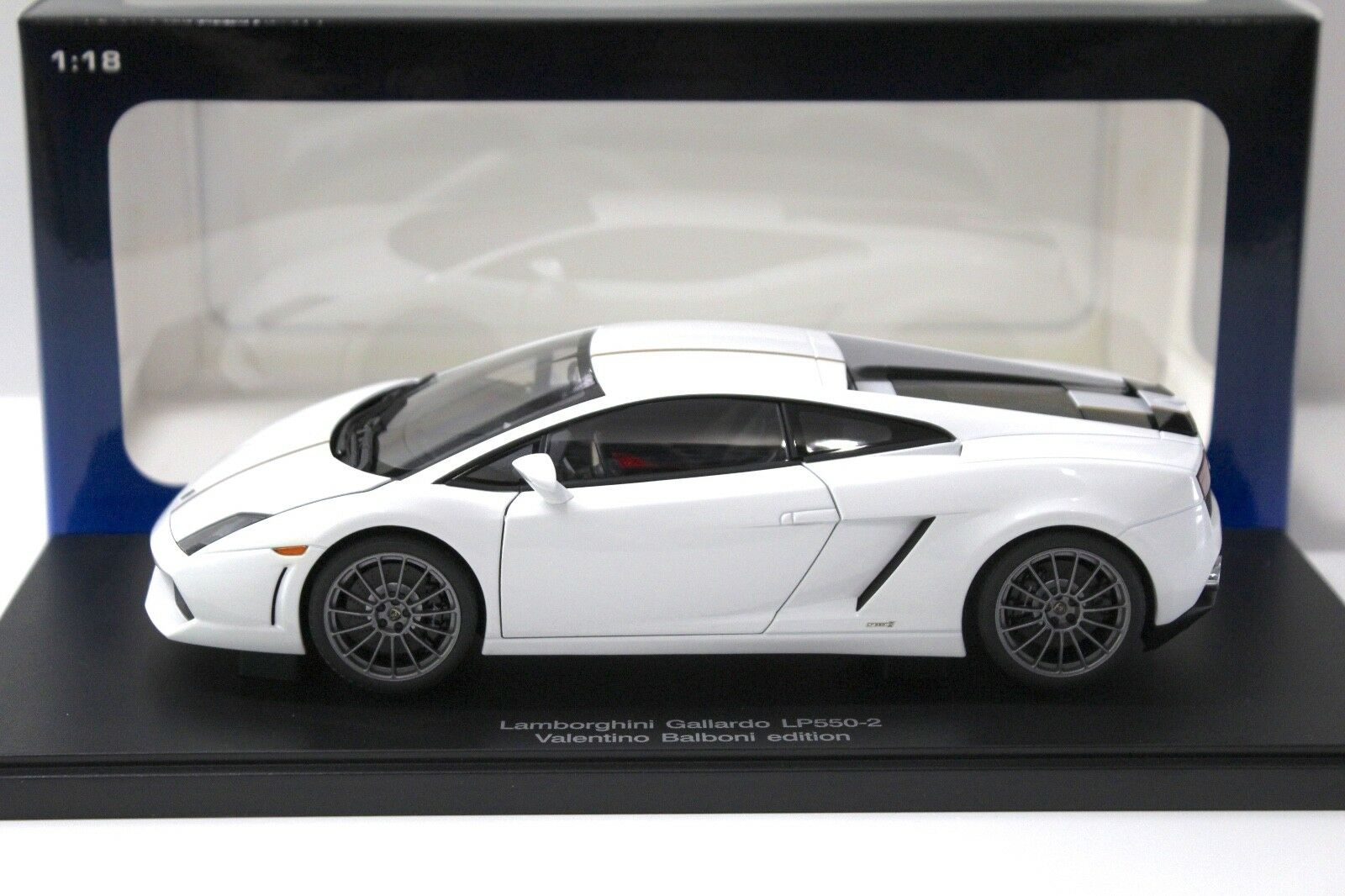1:18 Autoart LAMBORGHINI GALLARDO lp550-2 Balboni bianca  NEW in Premium-MODELCAR
