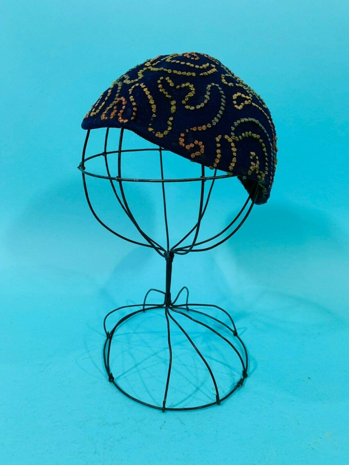 Vintage 1940s Swirl Hat Purple Colorful Stitched … - image 6