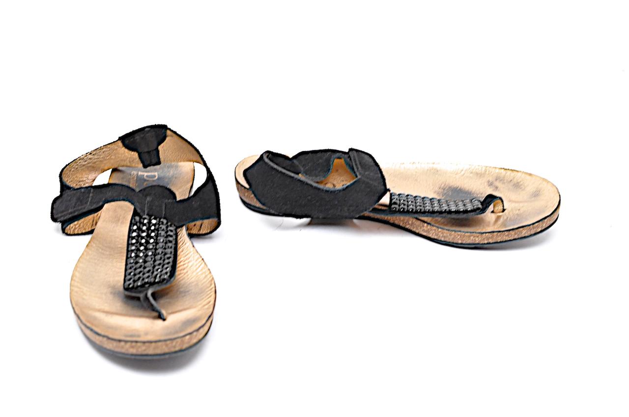 PEDRO GARCÍA Bronze & nero Suede T-Strap Sandal w  nero Rhinestones Dimensione 36