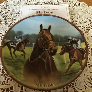 RACEHORSE-PLATE-SIR-IVOR-DANBURY-MINT-ROYAL-WORCESTER-WITH-CERTIFICATE