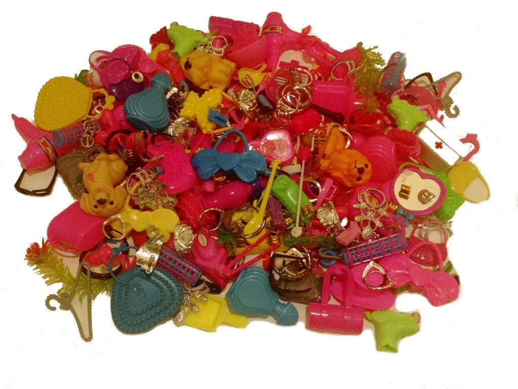 (1000) Pc. Juguete Barbie rosado Adorable accesorios-bolsos, coronas, collares, etc.