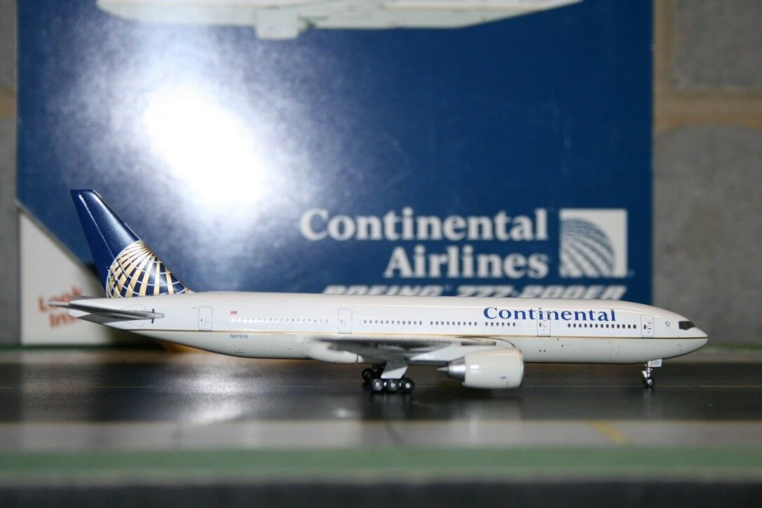 Gemini Jets 1 400 Continental Airlines Boeing 777-200 N27015 (GJCOA1024)