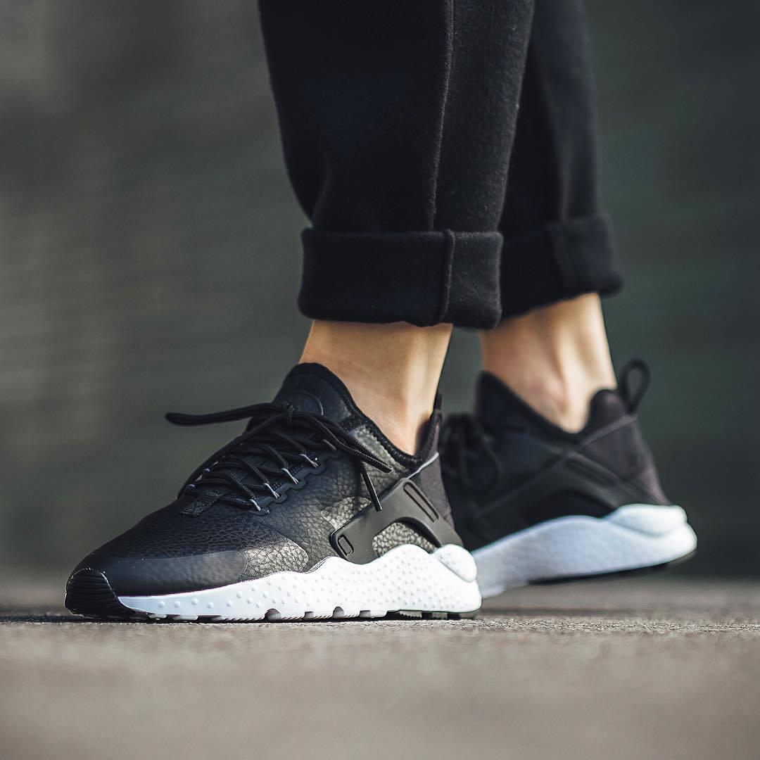 BNIB New Femme Nike Air Huarache courir PRM noir Taille 5 6 7uk