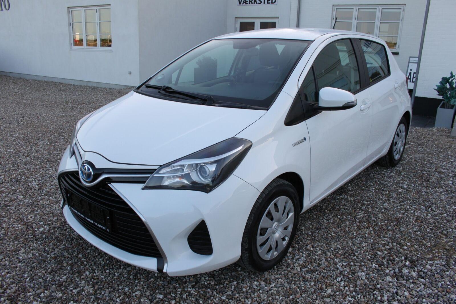 Toyota Yaris 1,5 Hybrid H2 e-CVT 5d - 113.500 kr.