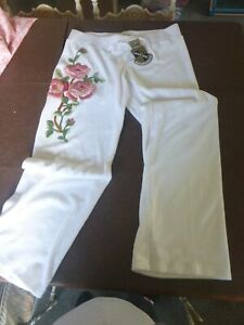 Image is loading Juicy-Couture-White-Pants-Embroidered-Pink-Roses-Large f5bc4e6f8937