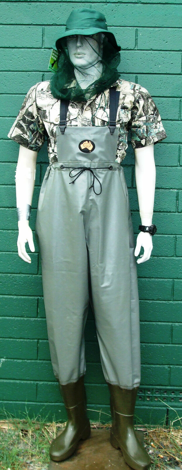Hornes Australian made PVC Waterproof  Waders  BRAND NEW pimple sole  free and fast delivery available