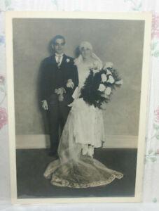 Vtg-1920s-Photo-Wedding-Bride-Groom-Portrait-Calla-Lilly-Bouquet-Long-Veil