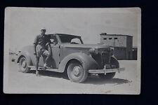 altes Foto Soldat aus USA in civil  mit Auto in Ägypten Egypten