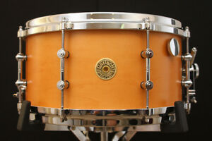 Gretsch-USA-Custom-7-034-x-14-034-Limited-Edition-Snare-w-VIDEO-Round-Badge-50-Made