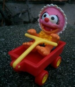 Vintage-1986-McDonalds-CANADA-EXCLUSIVE-Muppet-Babies-ANIMAL-complete-with-WAGON