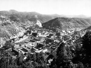 Larger-Historical-1900-Photo-of-Deadwood-South-Dakota-Black-and-White