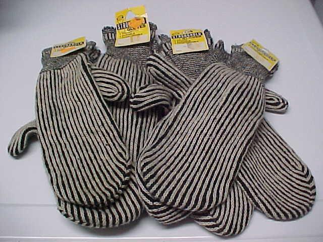 (4) Pairs Vintage (1971) STRONGHOLD Black Mitt Cotton Gloves 14