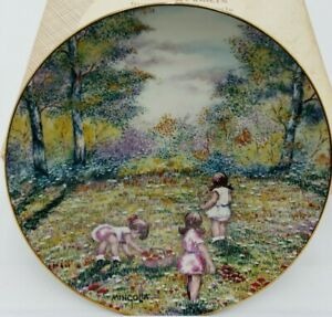 Vintage Picking Flowers Plate  Collector Plate by Dominic Mingolla  Ltd Edition  1977  EXCELLENT CONDITION