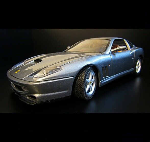 1 18 Burago Diecast Car 1 18 Scale Ferrari  550 Grey.