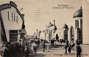 CHICAGO-IL-1933-Midway-Scene-Century-of-Progress-Expo-with-LIFE-Building-GEM