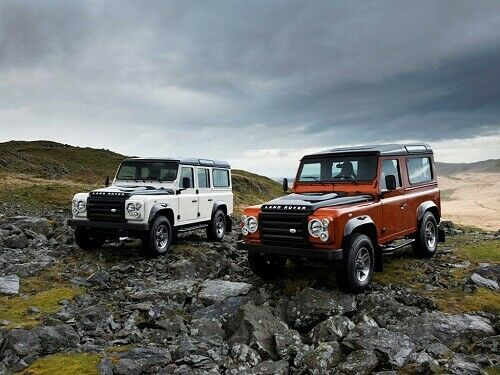 LAND ROVER 2009 DEFENDER 90 /& 110 /'FIRE/' /& /'RETRO POSTER PRINT CLASSIC ADVERT A3