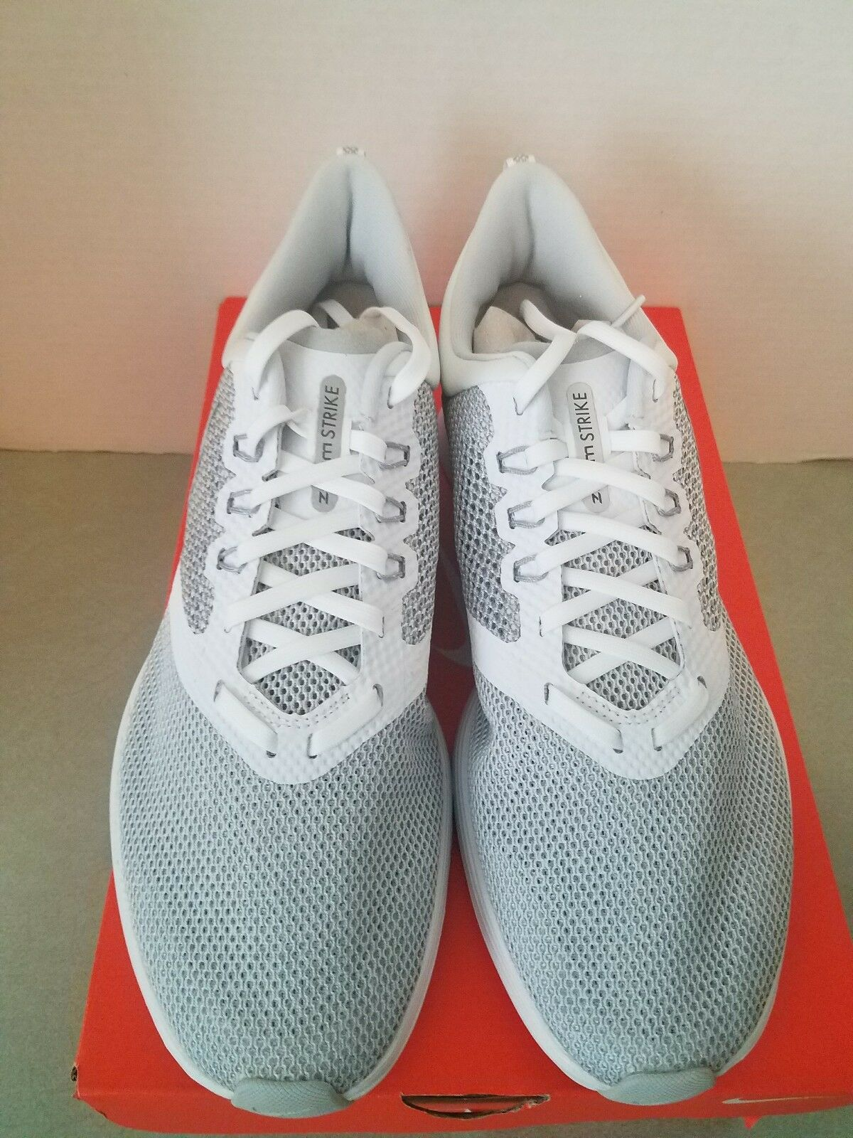 NIKE ZOOM STRIKE NEW IN BOX MEN'S RUNNING SHOES WOLF GREY WHITE REFLECTIVE 10