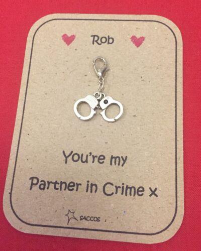 Anniversaire cadeau pour lui son porte-clés Clip partners in crime Menottes SACCOS
