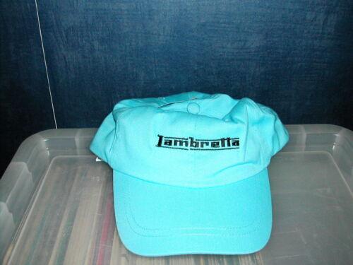 Lambretta Logo Baseball Style Casquette en bleu ciel avec Texte Noir