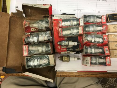 150 plugs Mercury Outboard Racing /& other appications.New Old Stock Spark Plugs
