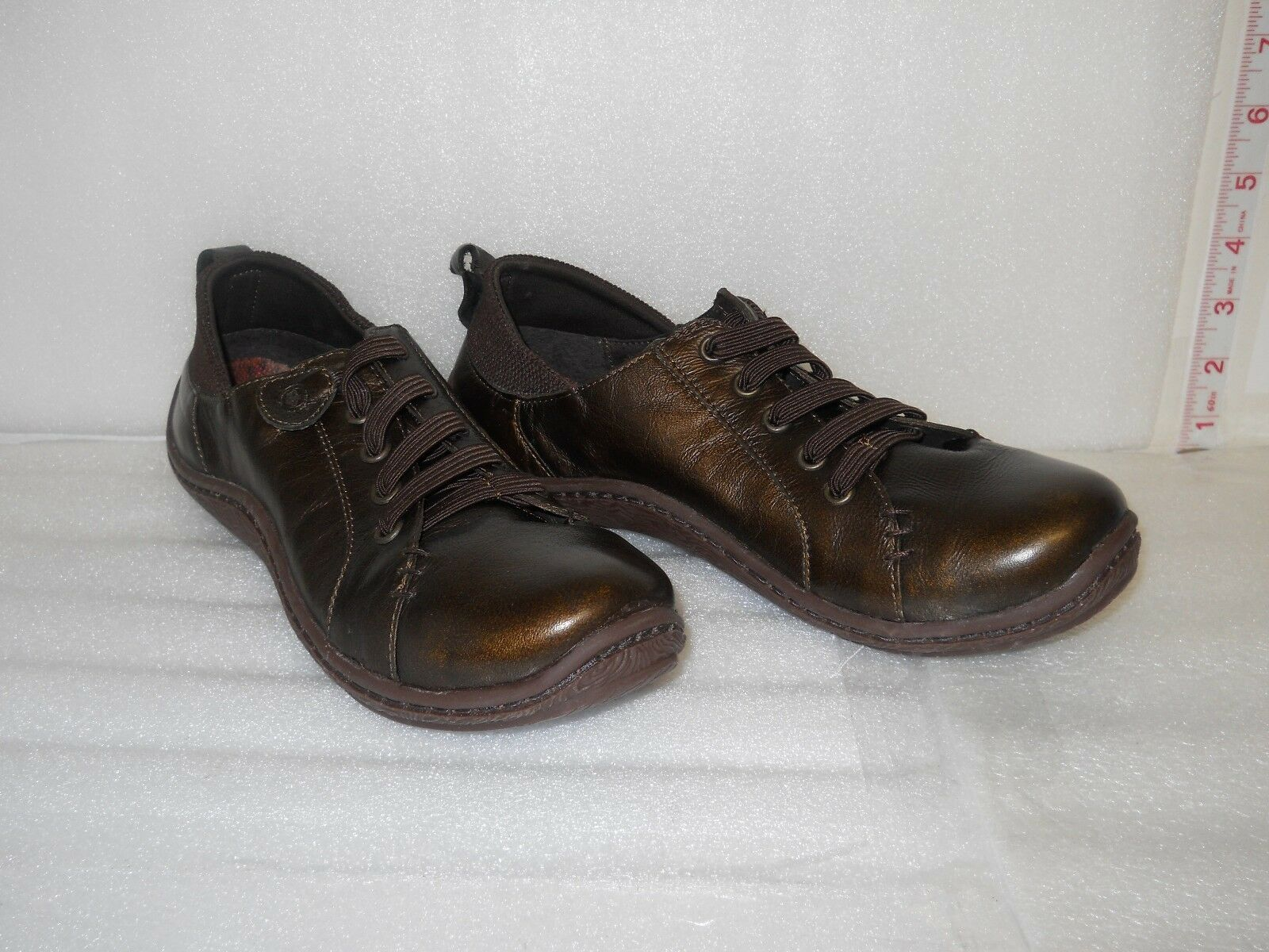 Born New Womens Womens Womens Althea Bronze Leather Sneakers 8 M shoes NWOB 20dbaf
