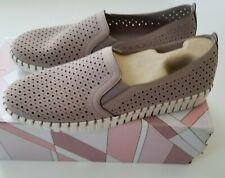 Sepulveda Blvd-a La Mode Sneaker Lil