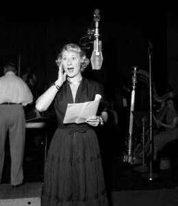 OLD-CBS-RADIO-PHOTO-Joan-Davis-on-the-Radio-Program-Leave-It-To-Joan-1