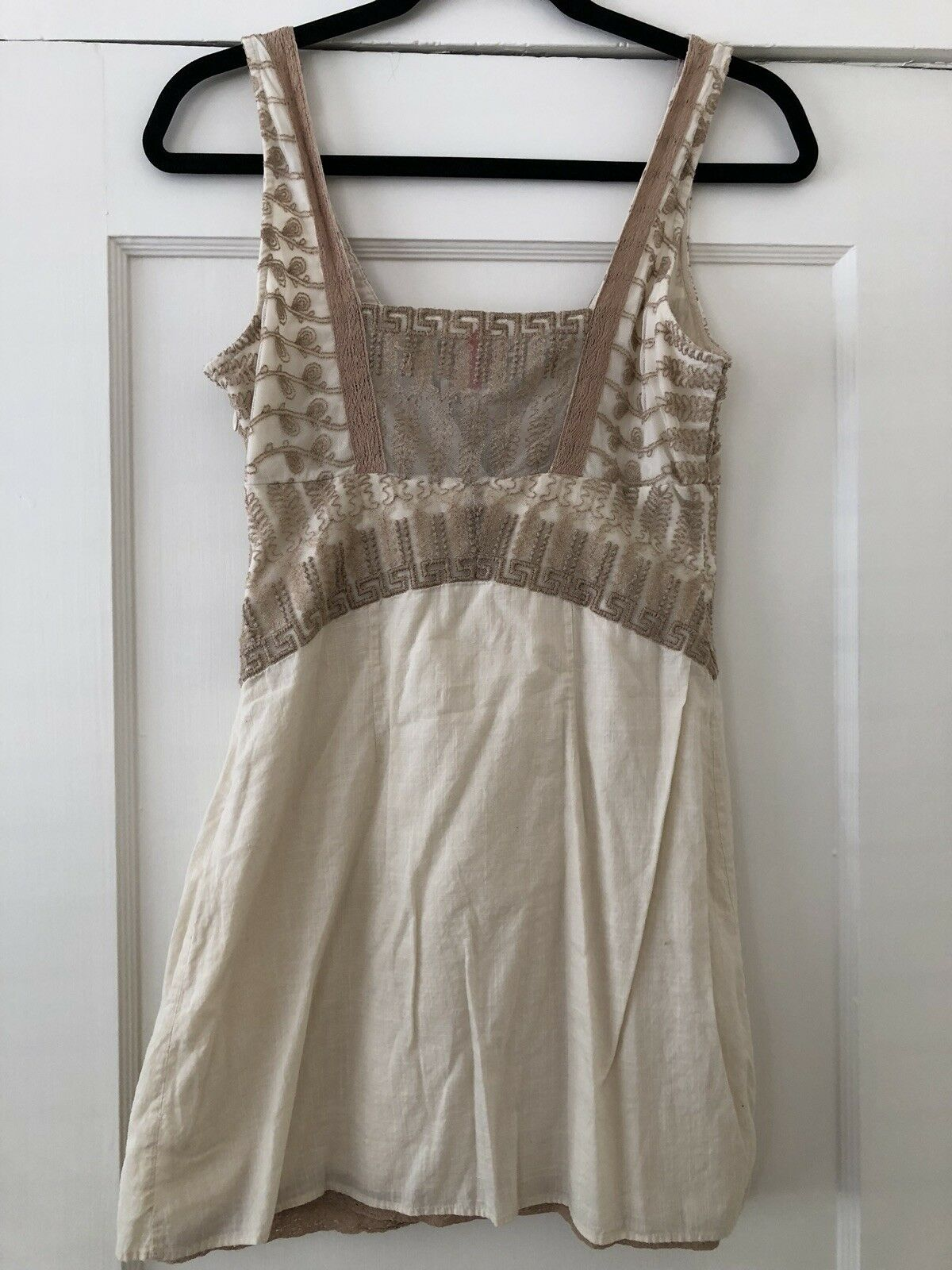 9326a196793 ... FREE PEOPLE Off White and Beige Embroidered Embroidered Embroidered  Sleeveless Dress Tunic - Size 4 140dfa ...