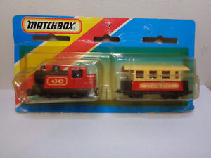 Matchbox-TP104-Steam-loco-Passenger-coach-twin-pack-Sealed-on-1983-blister