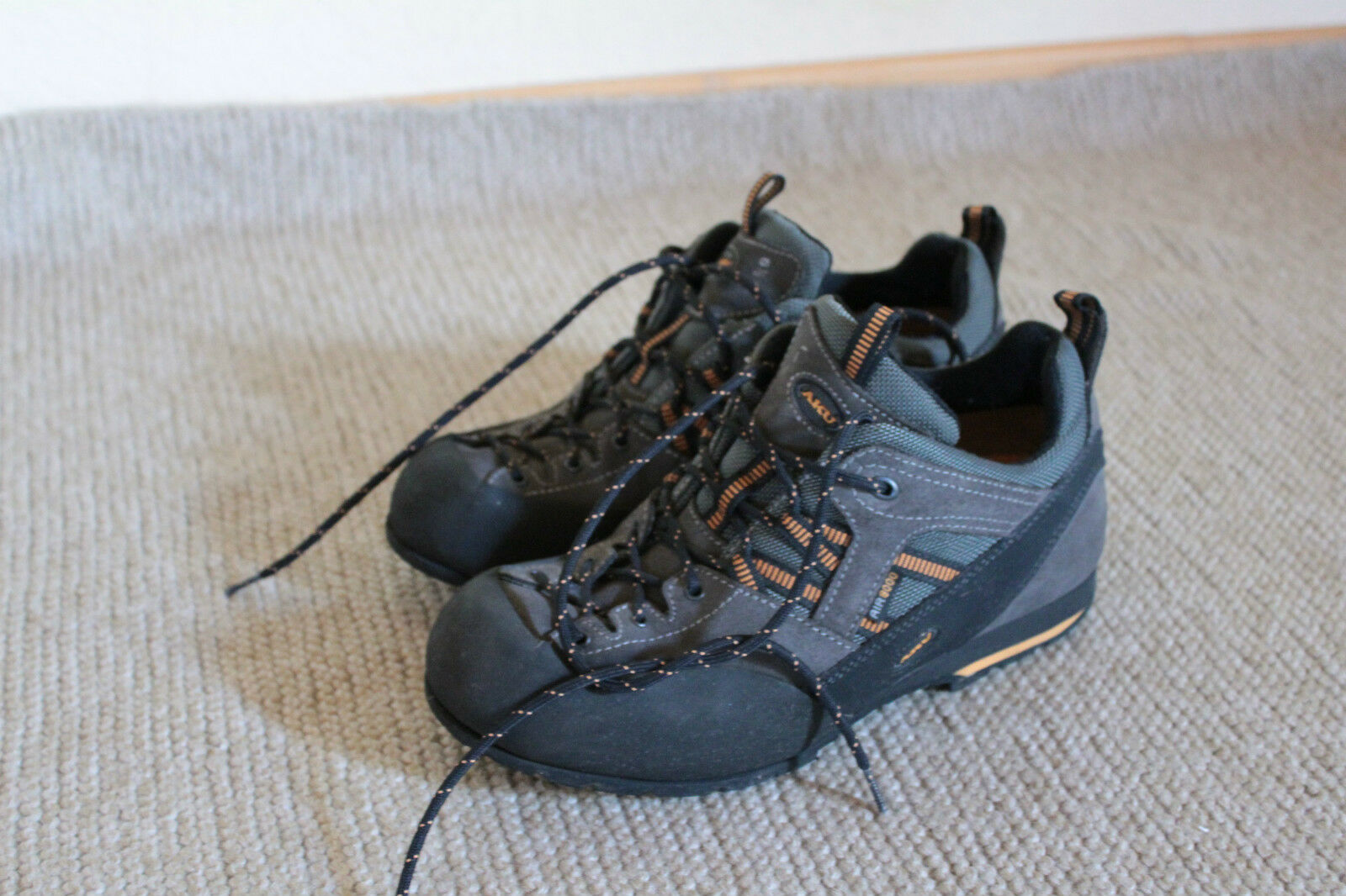 AKU Scarponcini Trekking Outdoor Scarpe Mis. 39 39, 5, ottime condizioni