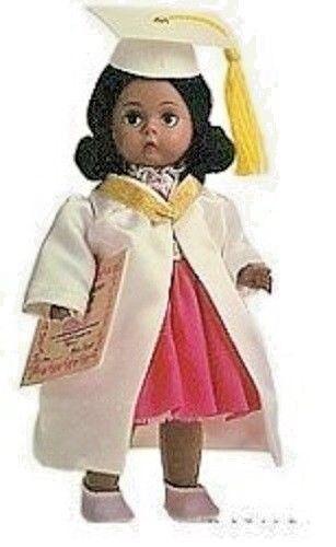 Madame AlexanderAFRICAN AMERICAN GRADUATION DOLL *NEW* 26107 CUTE Black Girl