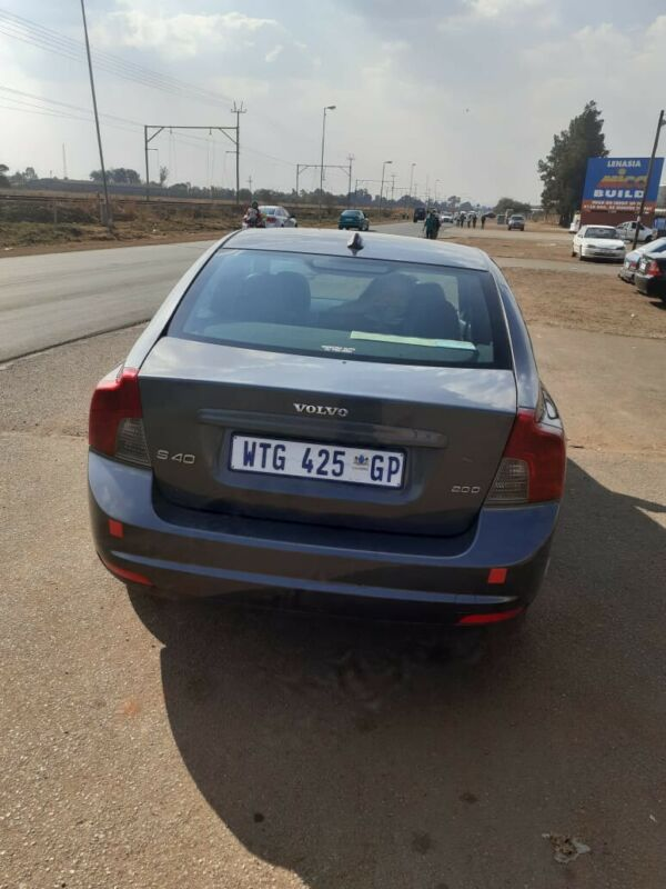 Volvo s40 stripping for parts
