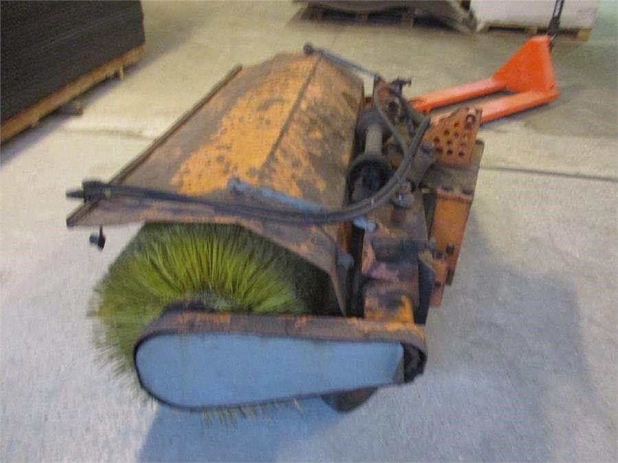 fejemaskine kost til Traktor