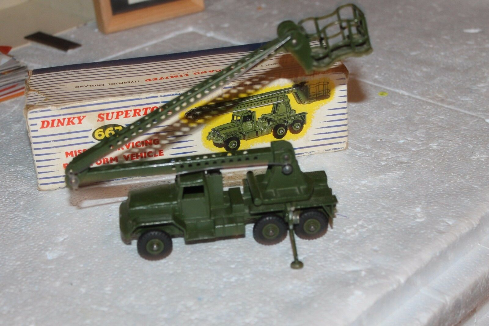 MILITARY DINKY  MISILLE LAUNCHER PLATFORM  667 VEHICLE