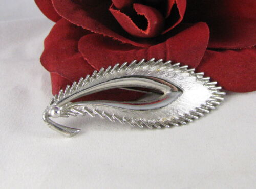1940s WWII Era Sterling Silver So Unique Hob\u00e9 Floral Bouquet Brooch Wrapped in Ribbon 2156 Tall and Folded Leaves with Roses