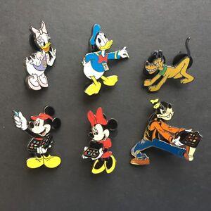 Disney-Catalog-Mickey-amp-Friends-I-Love-Pin-Trading-Set-LE-5000-Disney-Pin-10305