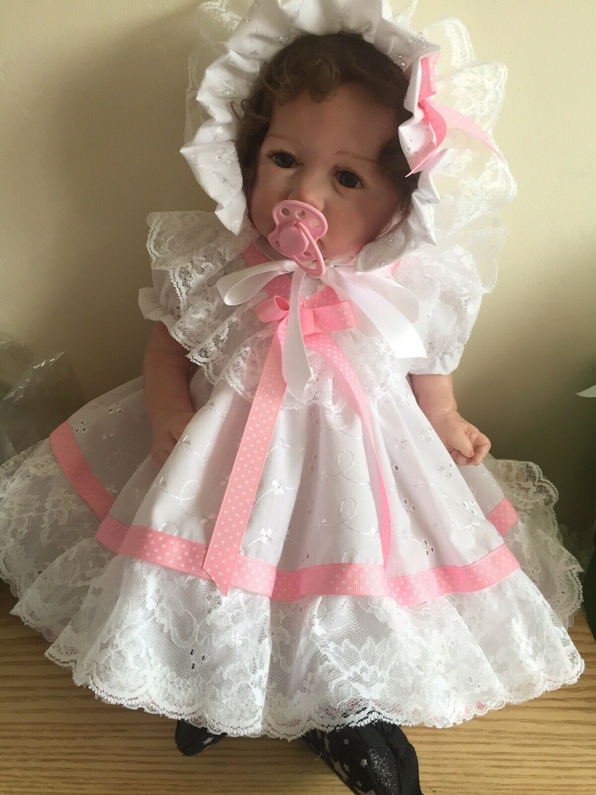 """CLOTHES FOR BAby 3-6mths /REBORN doll 22 """" White Broderie Two piece set NEW"""