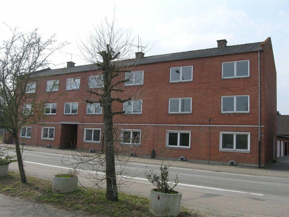 8850 vær. 3 lejlighed, m2 74, Brogade